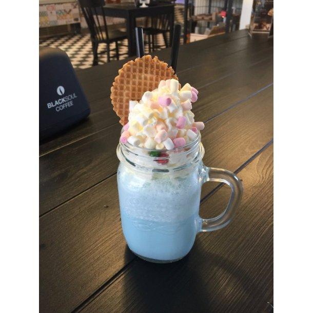 DESSERT OPSKRIFT - Milkshake, bubbelgum m/ mashmallows